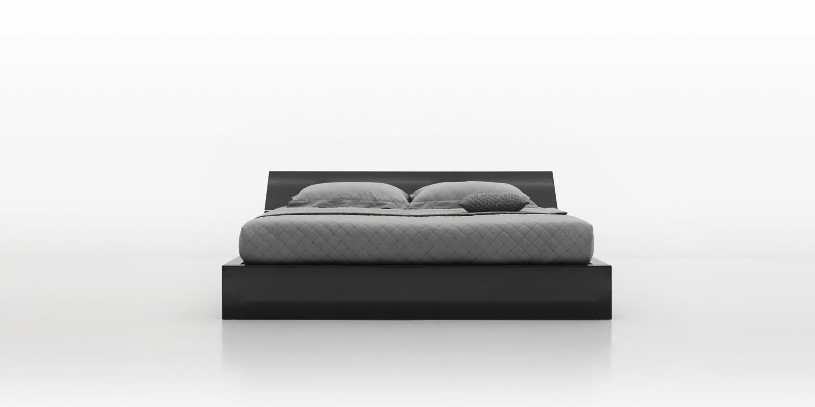 特点 床屏以铝合金特殊结构加固,床尾无缝l型设计 床屏及床尾采用